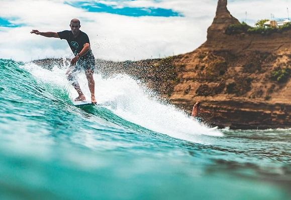 Montanita Ecuador Surf
