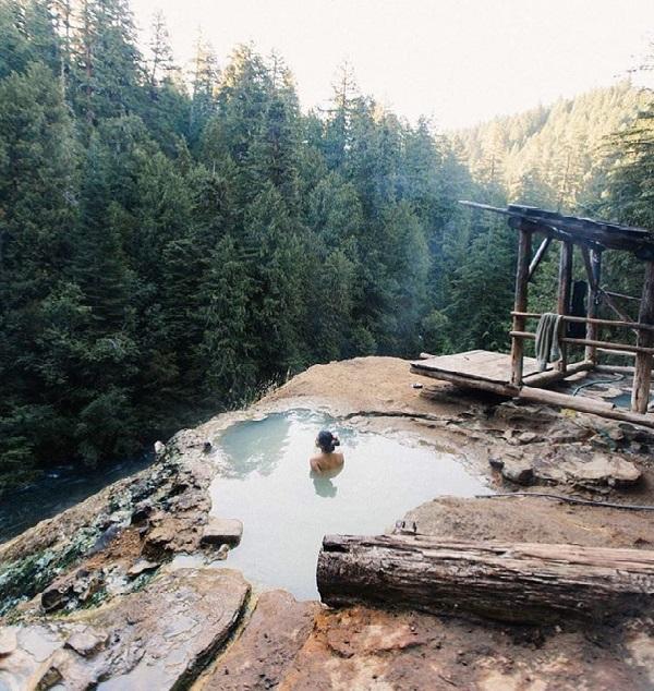 Umpqua Hot Springs Camping